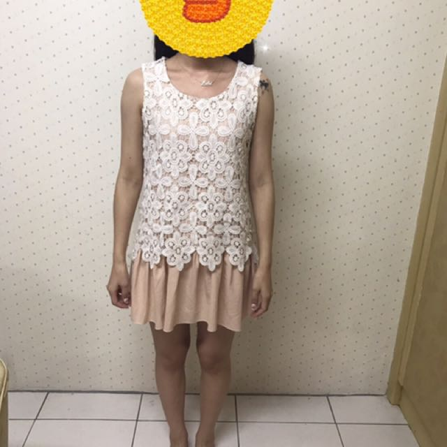 蕾絲簍空勾花無袖洋裝