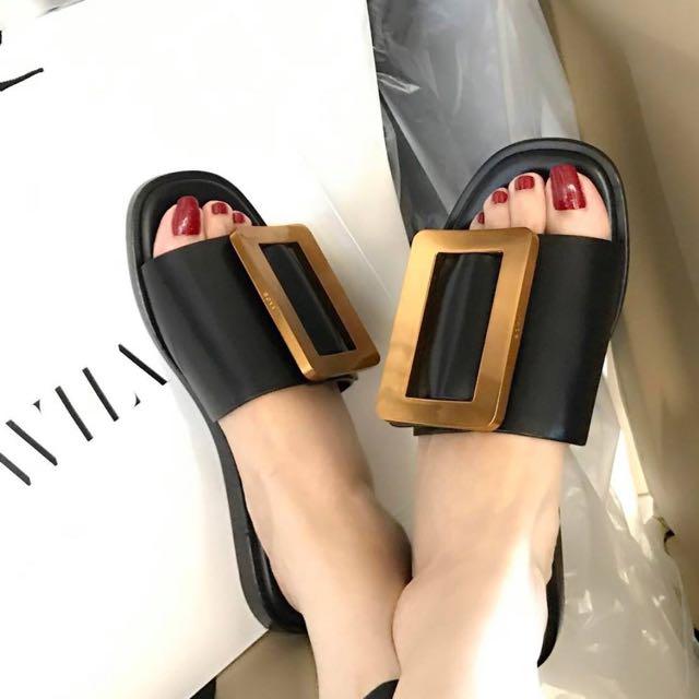 韓 設計款涼鞋