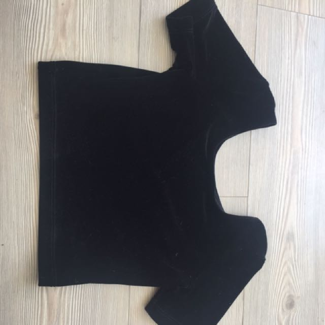 Black American Apparel Cropped T- Shirt