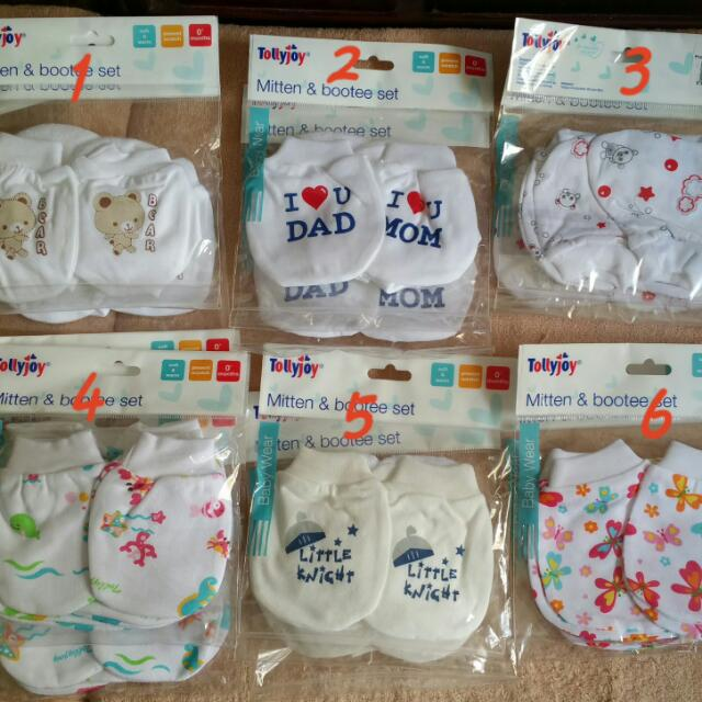 7c5a8470284a Brand NEW  Tollyjoy Baby Mitten   Bootee Set