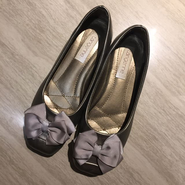 Flat Shoes Silver Abu Pita