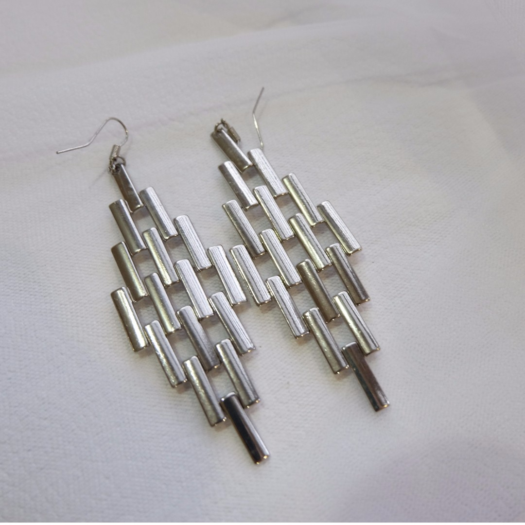'Forever 21' Fashion earrings