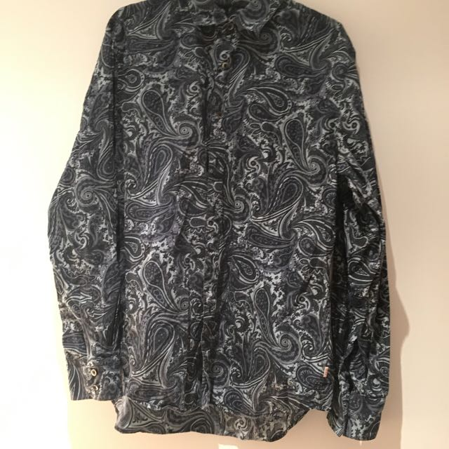 Jag navy paisley large button up