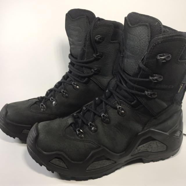 Lowa軍版登山靴