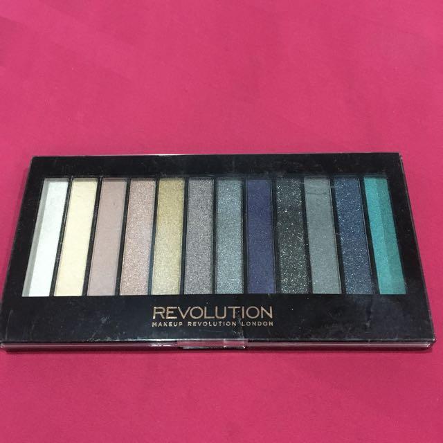 Make Up Revolution Eyeshadow Pallette