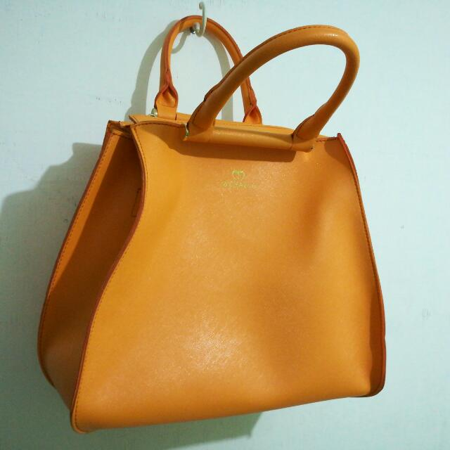 Michaela Hand/Sling Bag