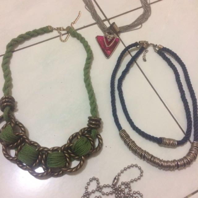 Necklaces(4pieces)