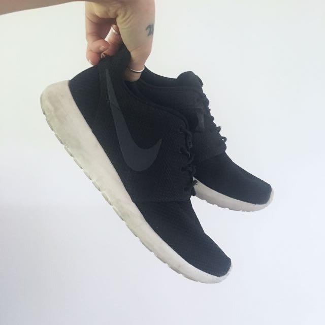 Nike Roshe One size 8.5