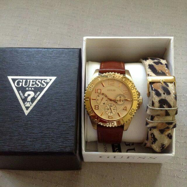 Preloved Guess Watch Leather Strap  Gold Tone Stainless Steel Case Gold Dial Quartz Movement Water Resistant 30 Metres Case 40mm