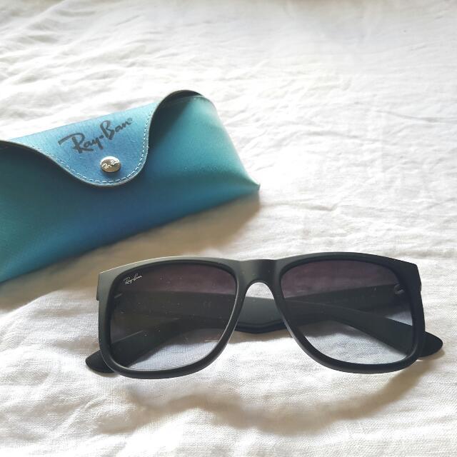 Ray-Ban Classic Black Justin Sunglasses