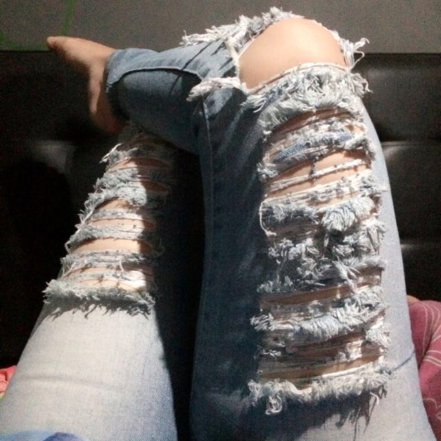 Ripped Jeans Guess