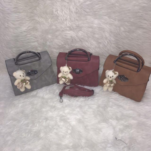 Tas Fashion Dengan Keychain Teddy Bear