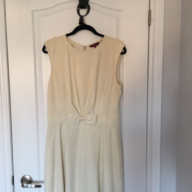 Ted Baker Cream Dress With Bow Size 10.