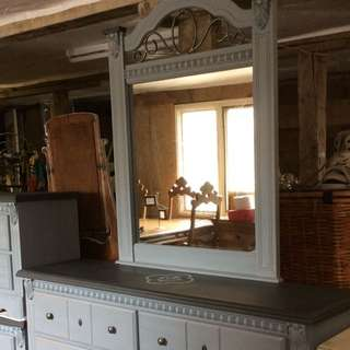 Beautiful Painted Dresser,mirror, 2 Night Tables