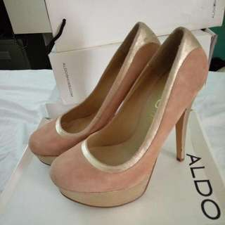ALDO Suede Nude Heels With Gold Detail (Size 37 W)