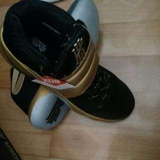 Nike Kyrie II Black & Gold US11