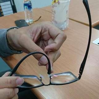 降價!…九成九九新男生眼鏡 鎢鋼加塑鋼