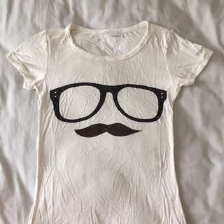 GLASSES AND MOUSTACHE TEE