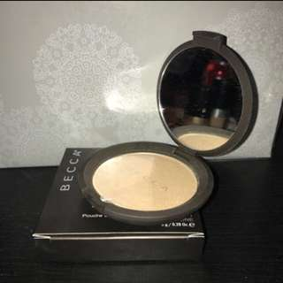 Becca Shimmering Skin Perfector / Highlightrr