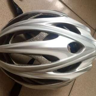 🚚 知名品牌單車安全帽