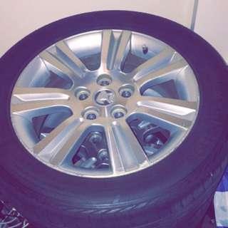235/50 R17 Stock VE series 1 Calais wheels