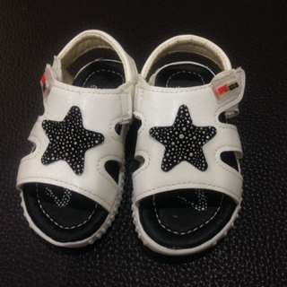 全新男童零碼涼鞋特價 17碼 星星(內長13.5cm)學步鞋 非叫叫鞋