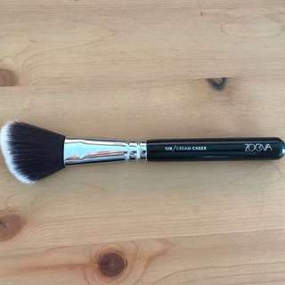 Zoeva 128 Cream Cheek Brush - Vegan