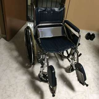 Wheelchair (Chrome) -Adjustable Leg Rest