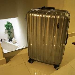 """28"""" Hard Case Travel Luggage"""