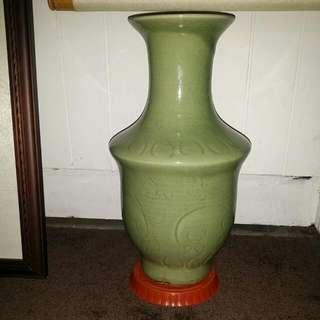 古代耀州瓷瓶