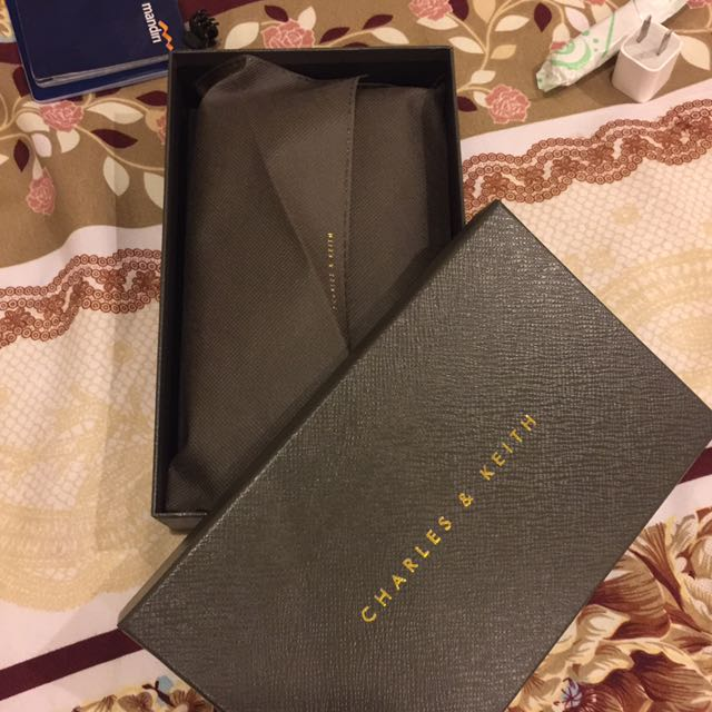 Auntentic Charles & Keith
