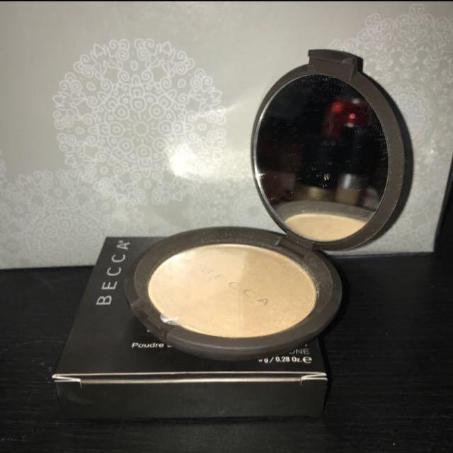 Becca Shimmering Skin Perfector / Highlightrr