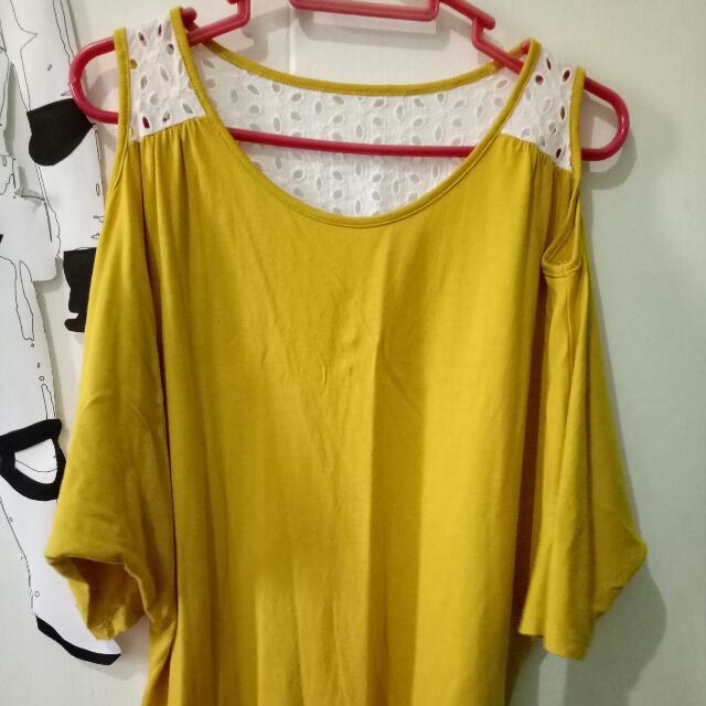 Bench : Cold shoulder blouse
