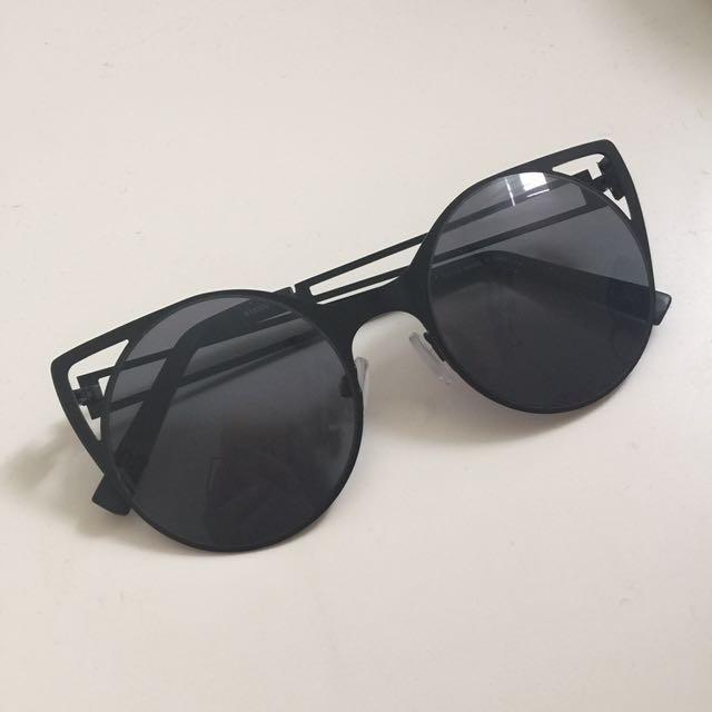 Black Circle Cat-eye Sunglasses