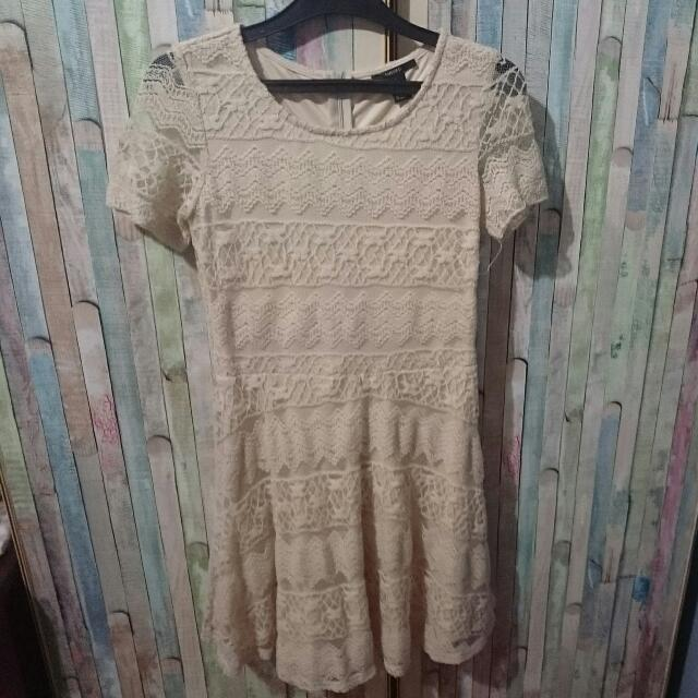Forever 21 Brokat Cream Dress