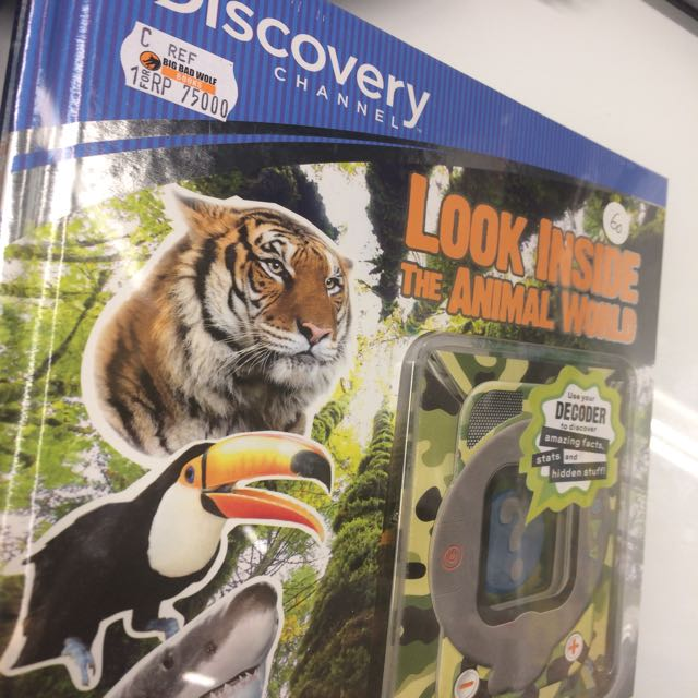 Buku Look Inside Animal
