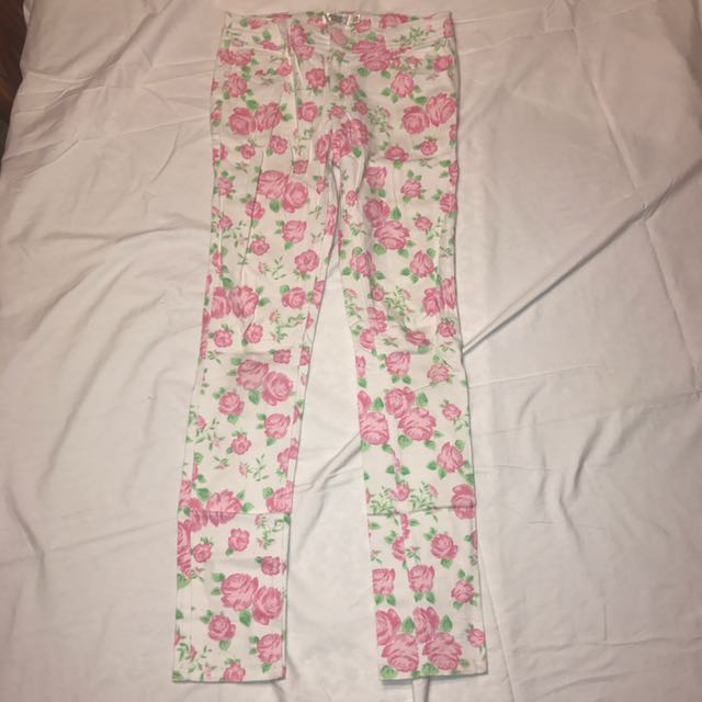Cute Roses White Jeans Size 8 #THECAFE