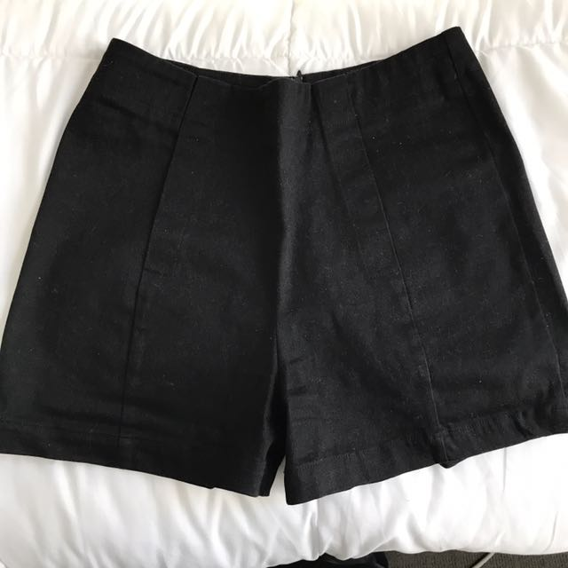 Dangerfield Highwaisted Black Shorts