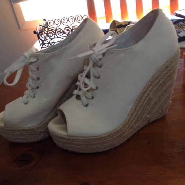 Indy White/Cream Wedges