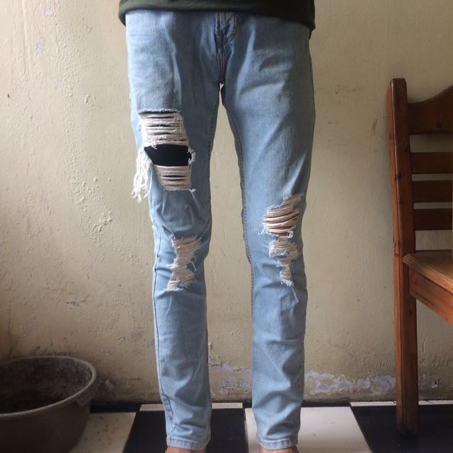 jeans pull & bear cowok