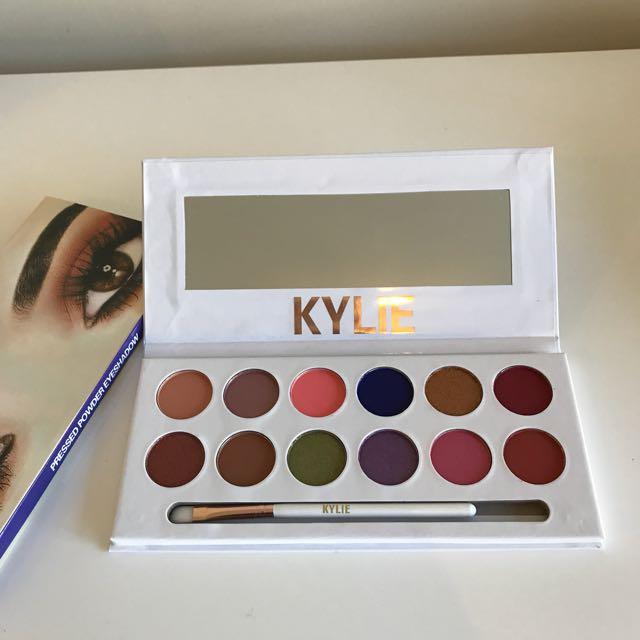 Kylie KyShadow - Peach Palette (replica)