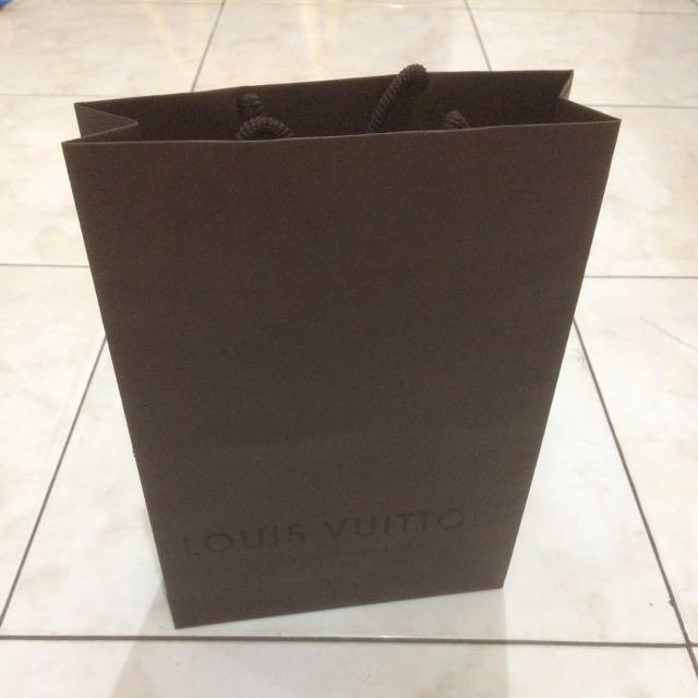Paperbag Louis Vuitton Cokelat