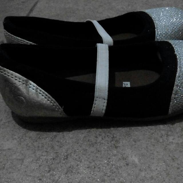 Sepatu Blink2