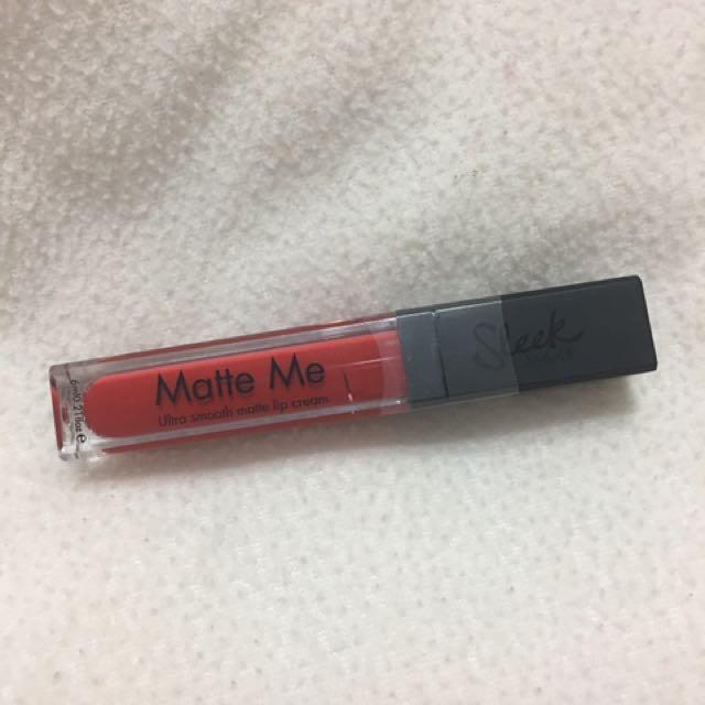 Sleek Matte Me 液態唇膏
