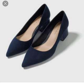 ZARA深藍粗跟尖頭高跟鞋