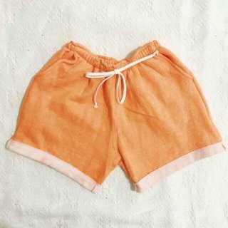 Short (orange)