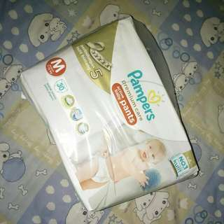 Pampers Popok Celana Premium Size M