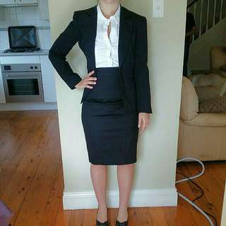 CUE suit Sz 6-8 (Skirt + Jacket)