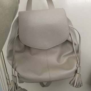 Zara white Backpaxk