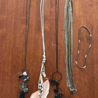 Ladies Fashion Dress Costume Necklaces  Bulk lot of 5 Most never worn